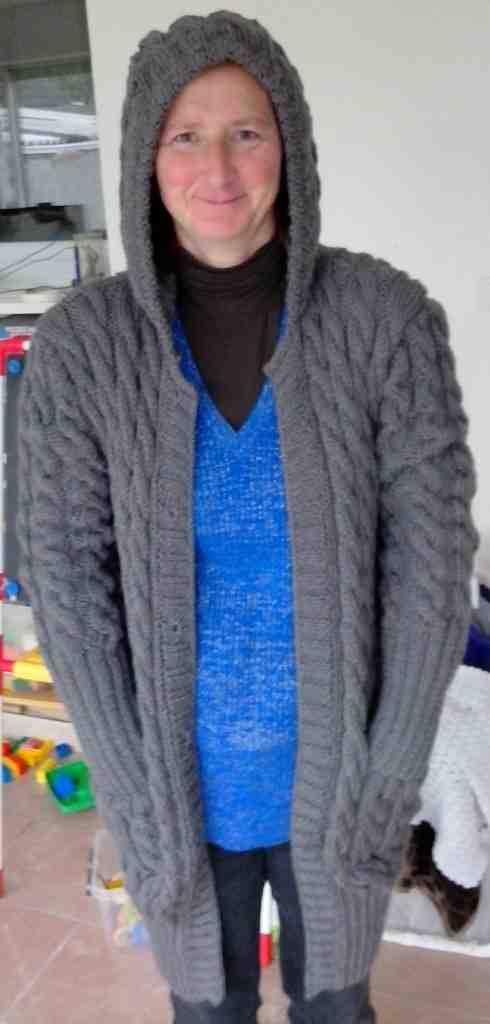 Comment confectionner une capuche tricotée?