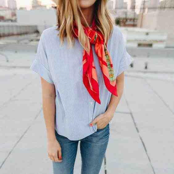 Comment porter une écharpe à carreaux?