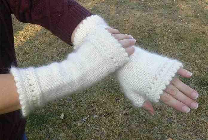 Comment tricoter des mitaines avec les doigts?