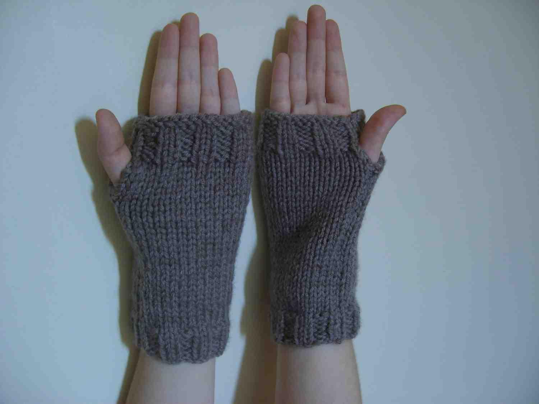 Comment tricoter des mitaines avec une capuche?