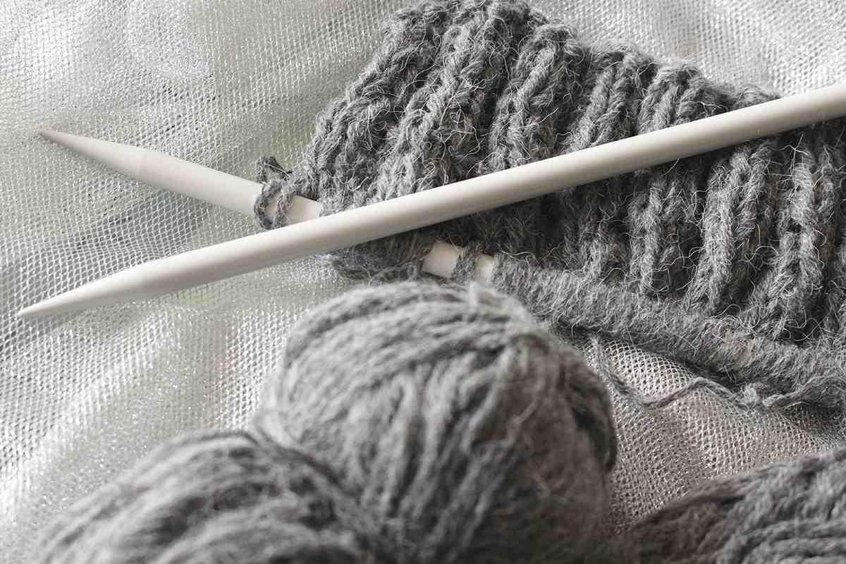 Comment tricoter un bonnet pour femme?