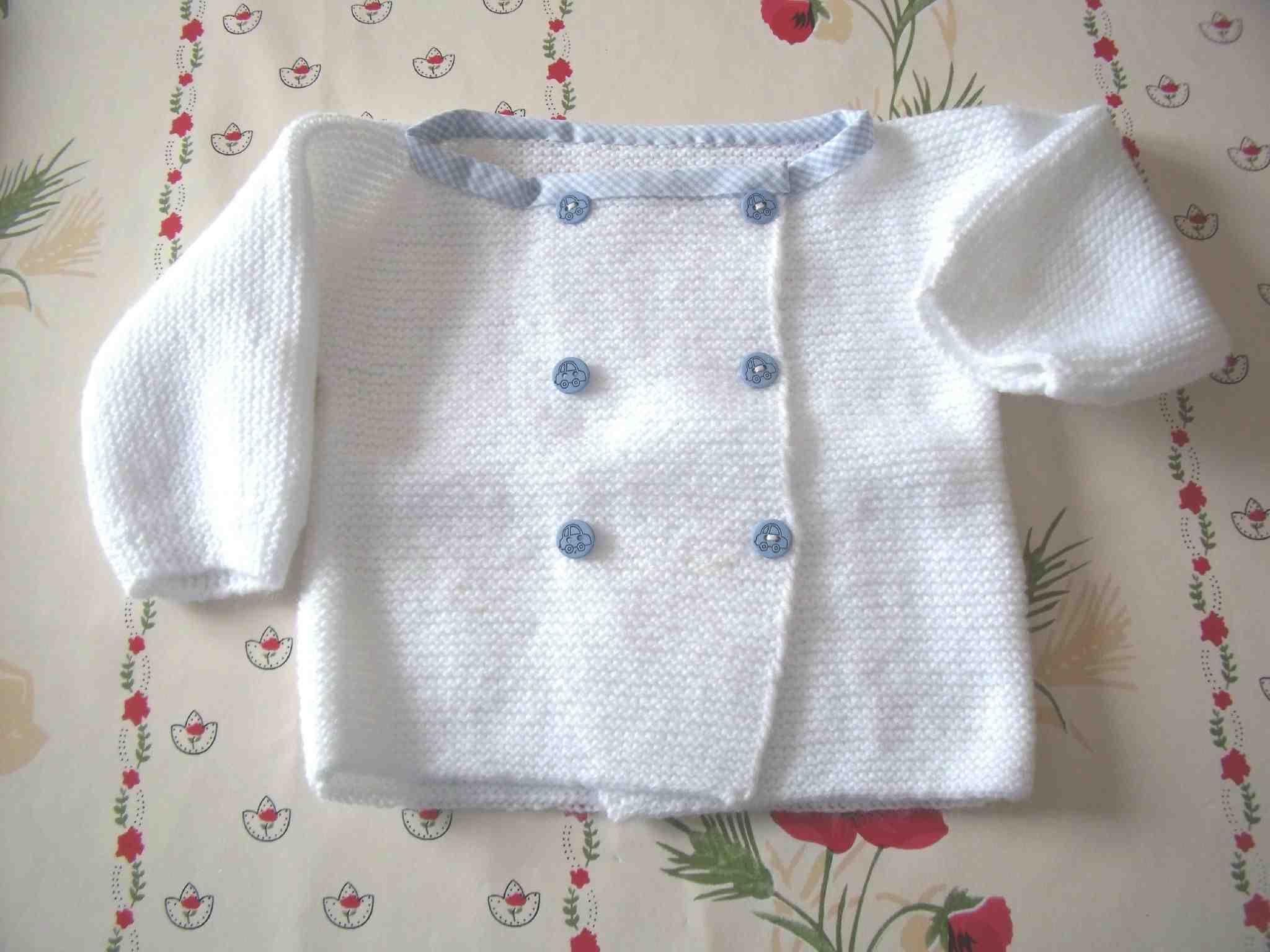 Comment tricoter un simple cardigan femme?