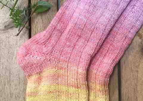 Comment tricoter une écharpe en laine?