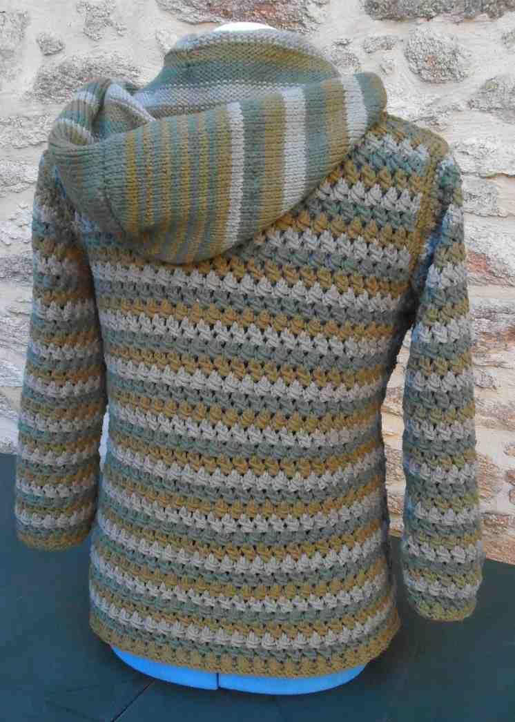 Comment tricoter une simple veste pour femme?