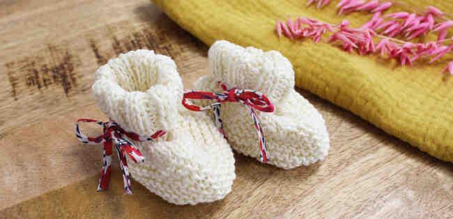 Comment tricoter des bottes bébé facilement?