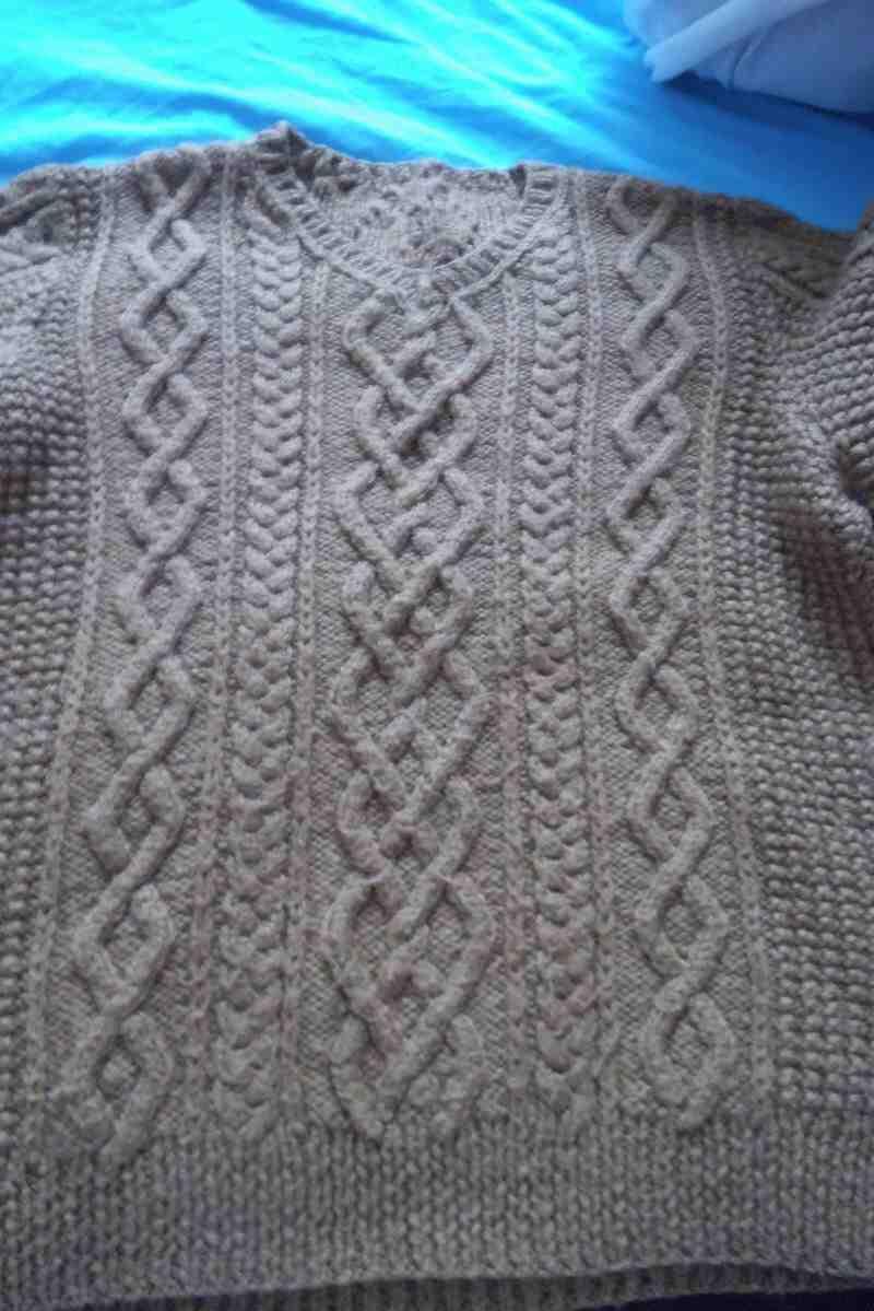 Comment tricoter un cordon sans aiguille auxiliaire?