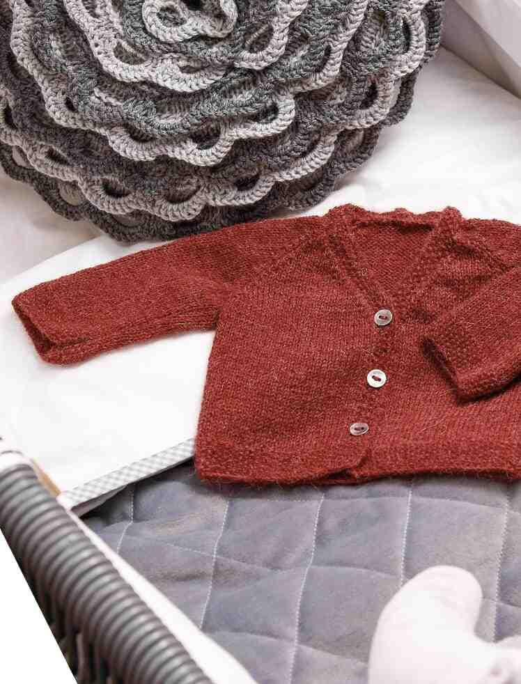 Comment tricoter un pull col V pour femme?