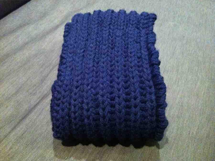 Comment tricoter une écharpe dans une fausse côte anglaise?