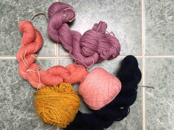 Comment changer la couleur de la laine lors du tricot?