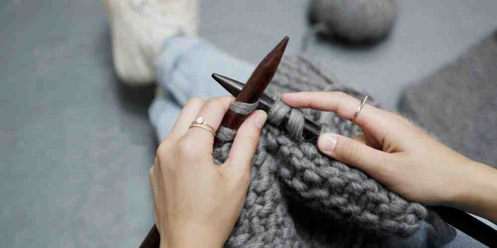 Comment commencer à tricoter une écharpe