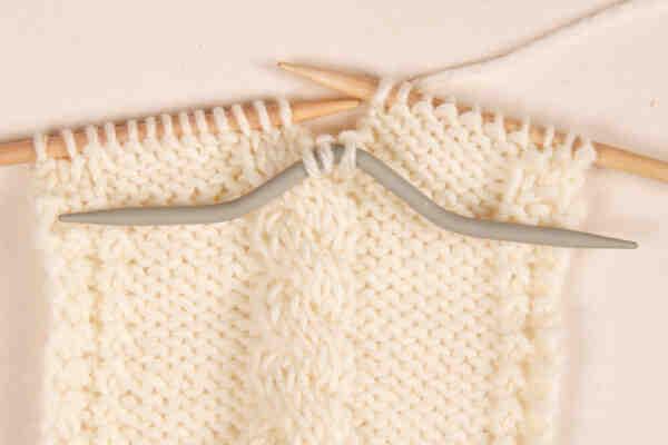 Comment tricoter avec 2 couleurs différentes?