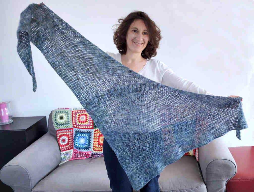 Comment tricoter un châle asymétrique?