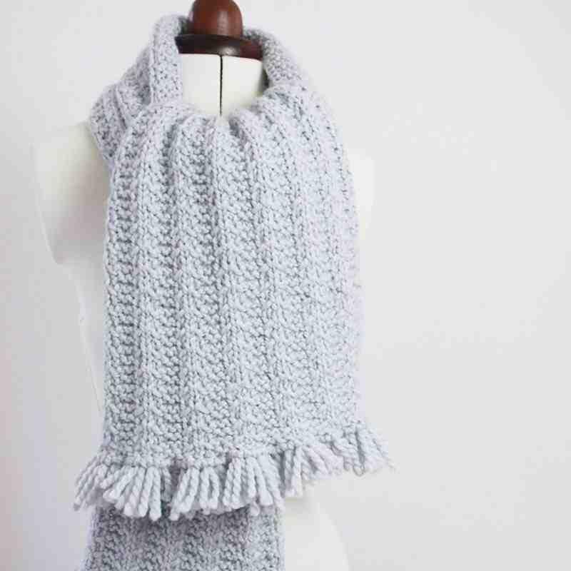Quel pull à bordure pour une écharpe?